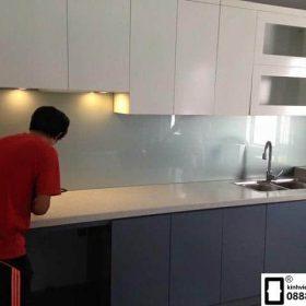 Kính ốp bếp màu ghi xám mẫu 2