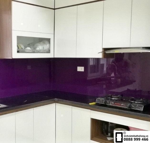Kính ốp bếp màu tím