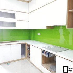 Kính ốp bếp màu xanh non mẫu 1