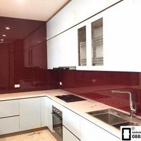 Kính ốp bếp màu đỏ rubi mẫu 11