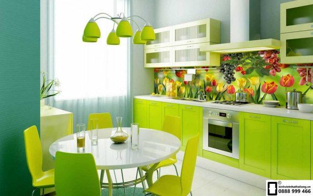 Kính màu ốp bếp 3D