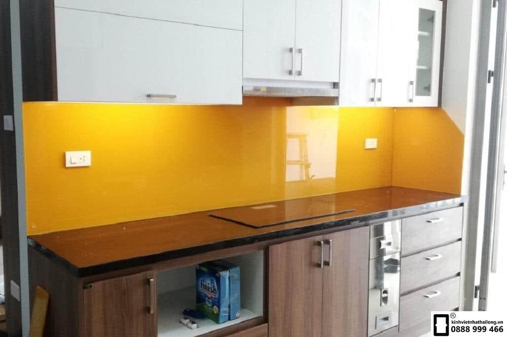 Kính ốp bếp màu cam mẫu 6
