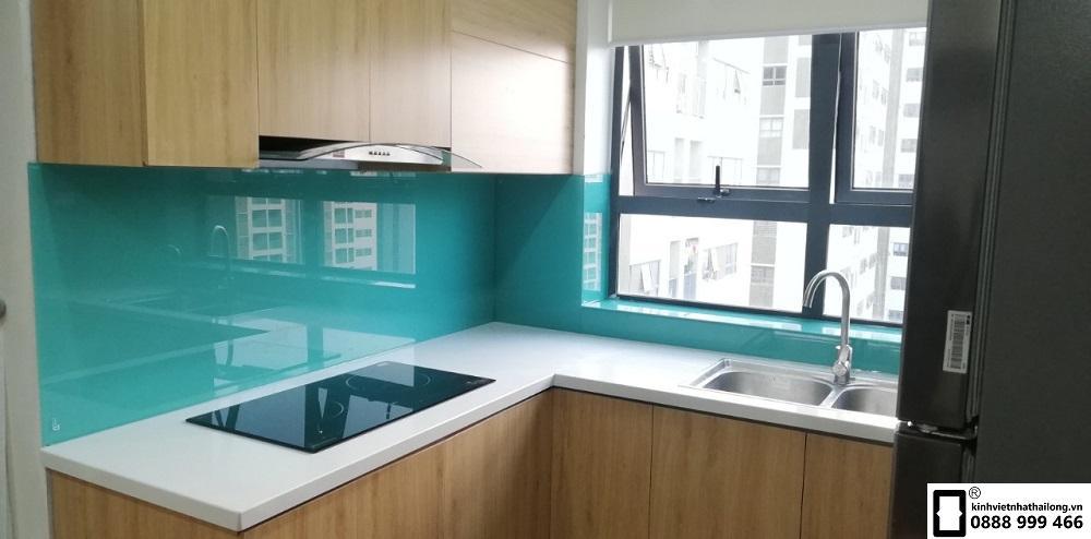 Kính ốp bếp màu xanh ngọc mẫu 11