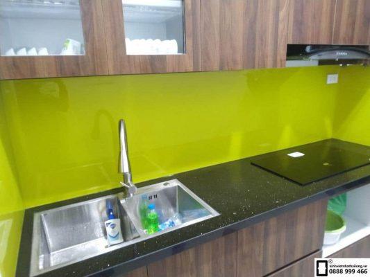 Lắp đặt kính ốp bếp tại quận Ba Đình