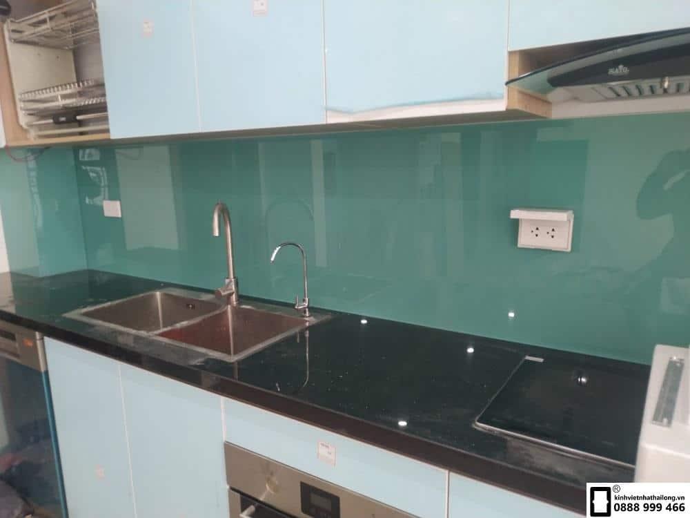 Lắp đặt kính ốp bếp quận Đống Đa Hà Nội
