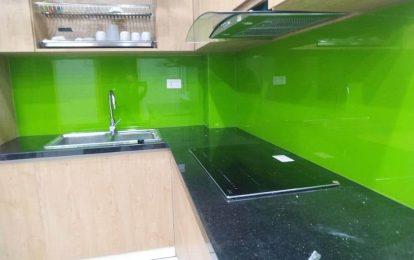 Lắp đặt kính ốp bếp tại quận Long Biên