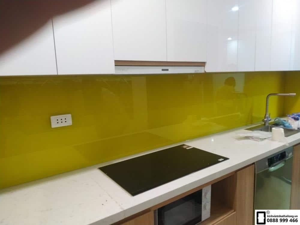 Lắp đặt kính ốp bếp tại quận Thanh Xuân