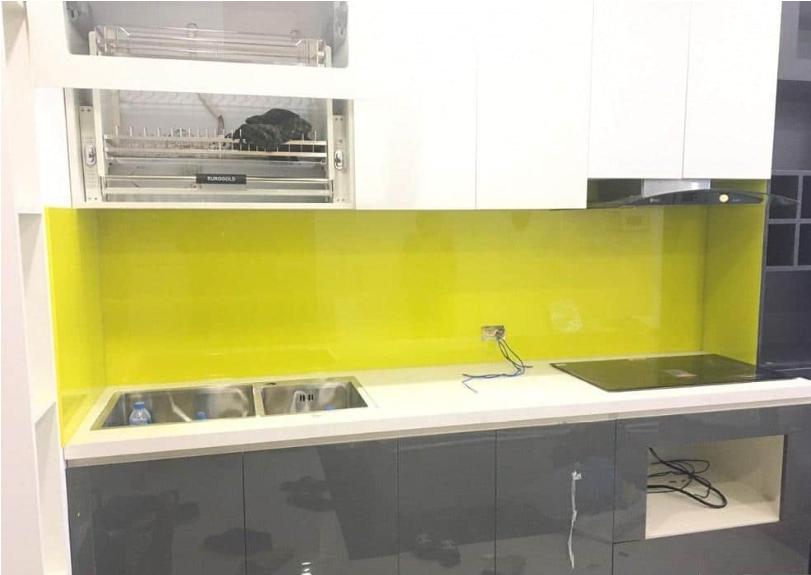 Kính ốp bếp sử dụng kính an toàn Việt Nhật