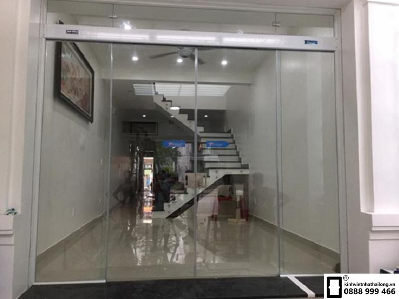 Cửa kính cường lực bao nhiêu tiền 1m2? Tại sao nên lắp đặt cửa kính cường lực