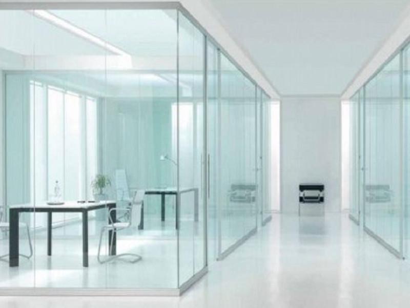 Sửa Cửa Kính Cường Lực Bị Kêu với 2 cách cực đơn giản