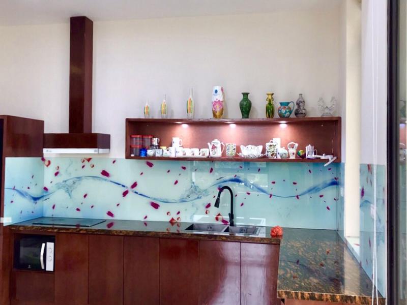 Kính chịu nhiệt ốp bếp in 3D sóng