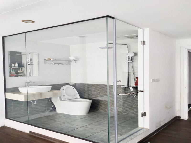 Vách ngăn nhà tắm bằng kính chịu nhiệt