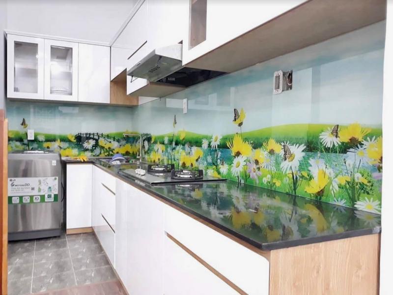 Kính in 3D tạo sự mới lạ cho khu vực bếp nhà bạn