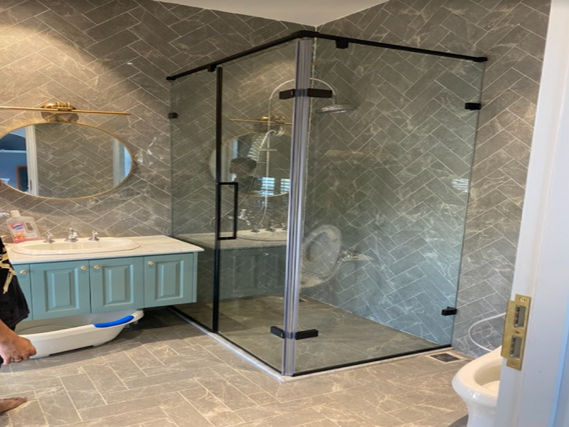 Cabin phòng tắm tạo vẻ đẹp sang trọng, hiện đại