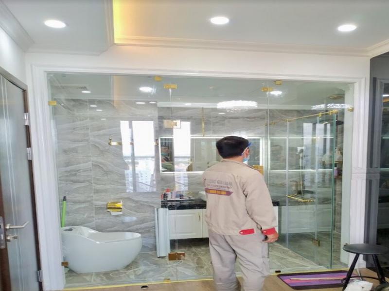 Khi mở của cabin phòng tắm cần mở đúng theo chiều thiết kế