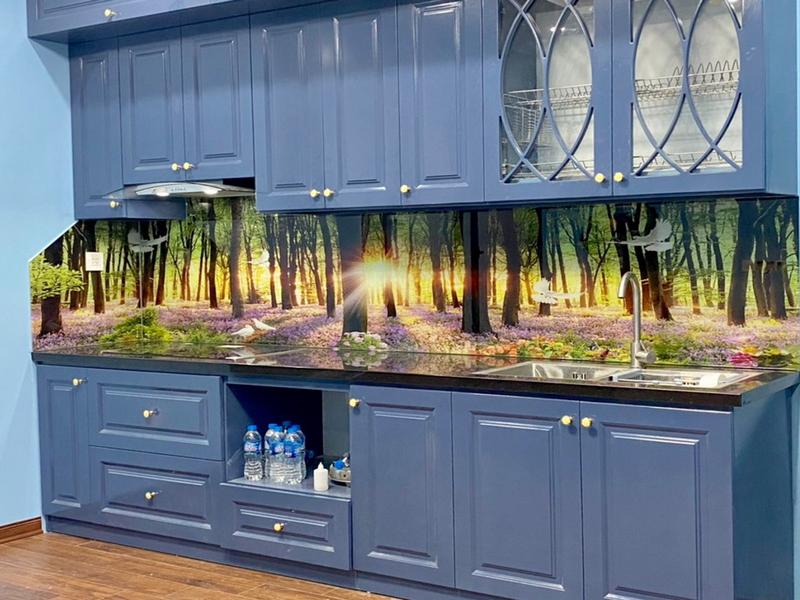 Kính ốp bếp chịu nhiệt 3D cảnh rừng hoàng hôn